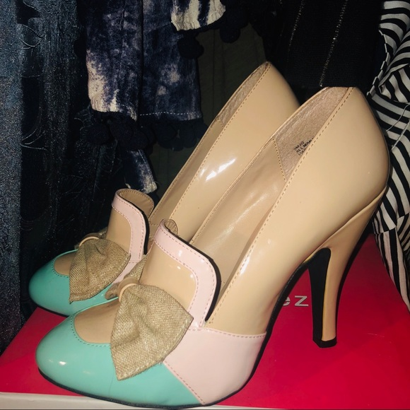 Dolce by Mojo Moxie Shoes - New - Beige and Pastel heels 🖤Dolce by Mojo Moxy
